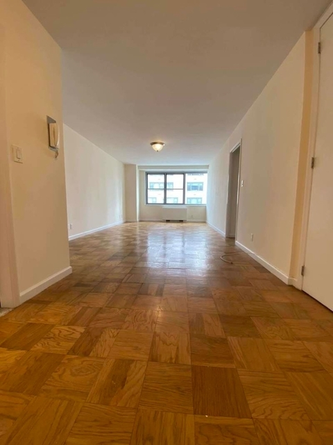 1 Bedroom, Upper East Side Rental in NYC for $2,688 - Photo 2