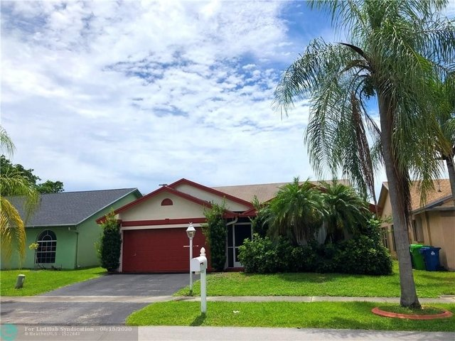 3 Bedrooms, Welleby Rental in Miami, FL for $2,500 - Photo 1