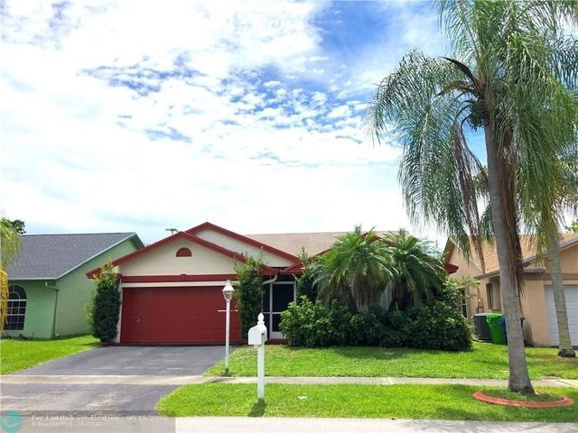 3 Bedrooms, Welleby Rental in Miami, FL for $2,500 - Photo 2