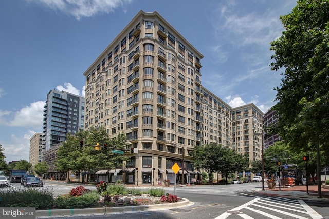 2 Bedrooms, Bethesda Rental in Washington, DC for $4,995 - Photo 1