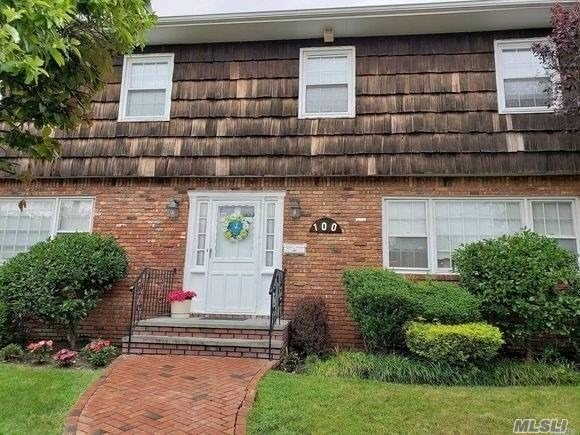 5 Bedrooms, Atlantic Beach Rental in Long Island, NY for $4,900 - Photo 1