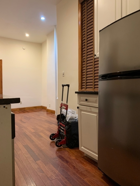 1 Bedroom, Chelsea Rental in NYC for $2,200 - Photo 2
