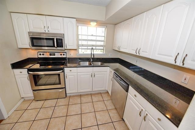 3 Bedrooms, North Oaklawn Rental in Dallas for $1,625 - Photo 1