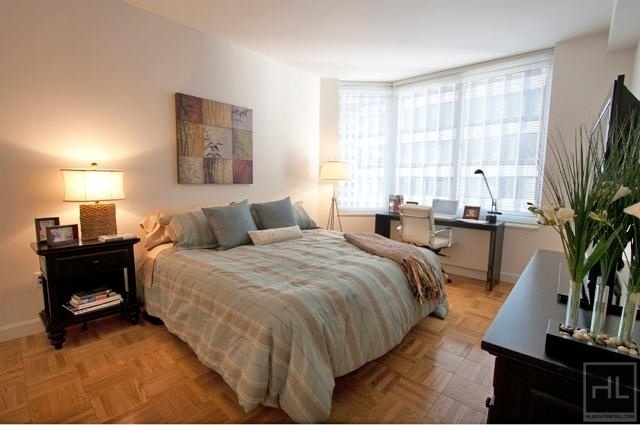 2 Bedrooms, Financial District Rental in NYC for $5,143 - Photo 2