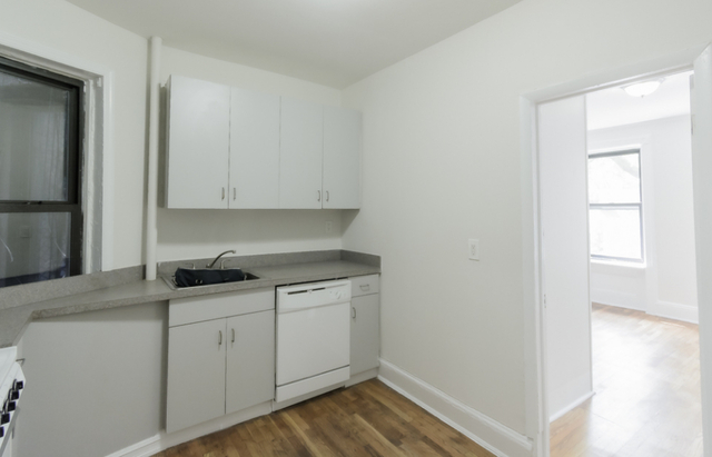 2 Bedrooms, Hell's Kitchen Rental in NYC for $2,745 - Photo 1