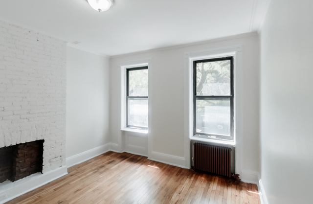 2 Bedrooms, Hell's Kitchen Rental in NYC for $2,745 - Photo 2