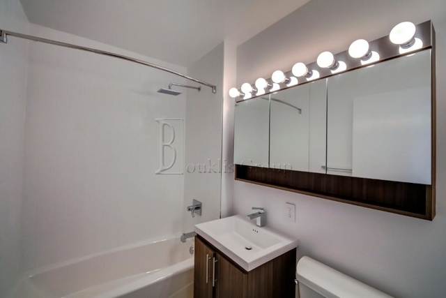 1 Bedroom, Financial District Rental in NYC for $2,999 - Photo 2