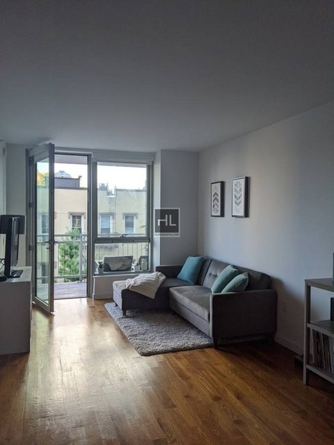 1 Bedroom, Greenpoint Rental in NYC for $3,425 - Photo 2