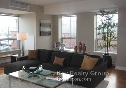 2 Bedrooms, Thompson Square - Bunker Hill Rental in Boston, MA for $4,540 - Photo 1