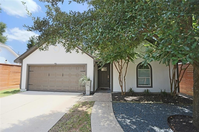 3 Bedrooms, Greater Heights Rental in Houston for $2,800 - Photo 2