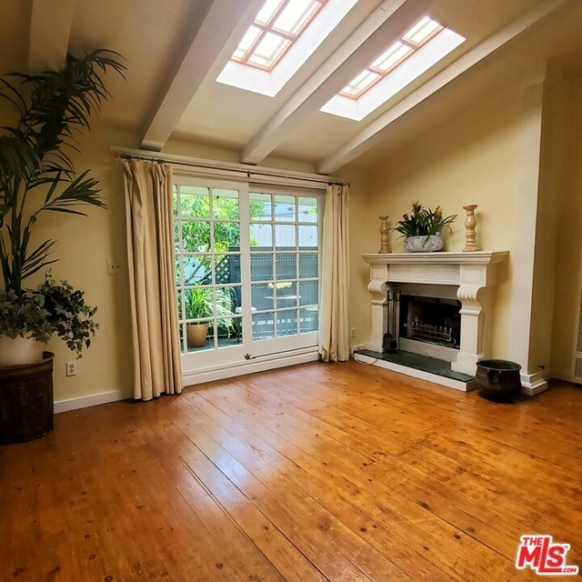 2 Bedrooms, Hollywood United Rental in Los Angeles, CA for $5,450 - Photo 2