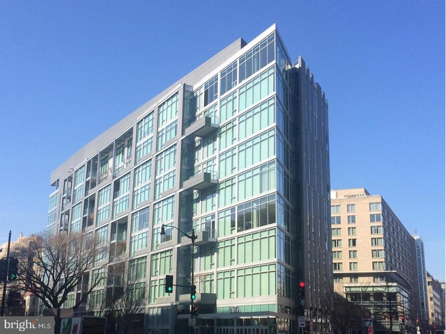 2 Bedrooms, West End Rental in Washington, DC for $5,800 - Photo 1