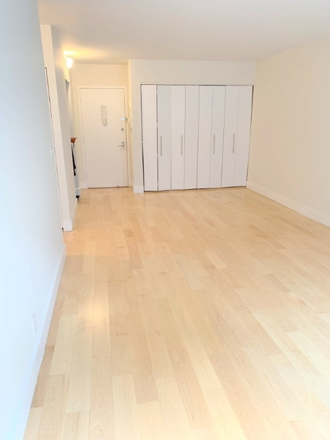 1 Bedroom, Hell's Kitchen Rental in NYC for $2,480 - Photo 2