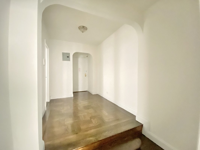 2 Bedrooms, Hudson Heights Rental in NYC for $2,338 - Photo 2