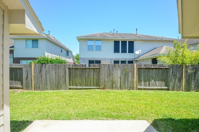 3 Bedrooms, New Territory Rental in Houston for $1,800 - Photo 2