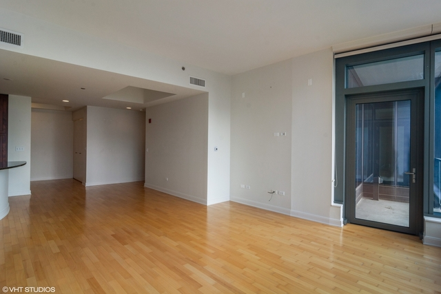 2 Bedrooms, The Loop Rental in Chicago, IL for $3,900 - Photo 2