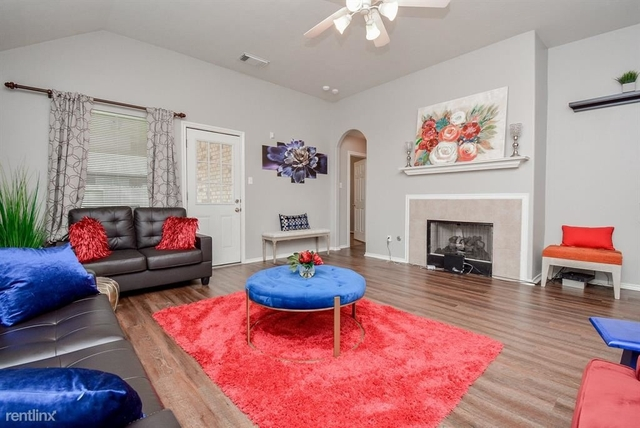 4 Bedrooms, Lakecrest Rental in Houston for $2,000 - Photo 1
