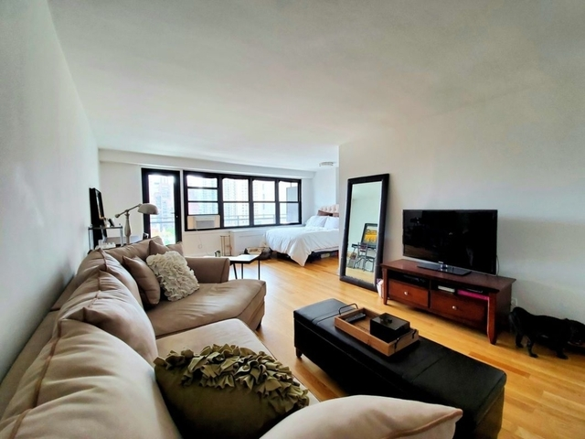 Studio, Yorkville Rental in NYC for $2,584 - Photo 1