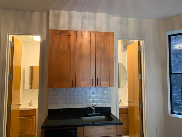 Room, Washington Heights Rental in NYC for $825 - Photo 2
