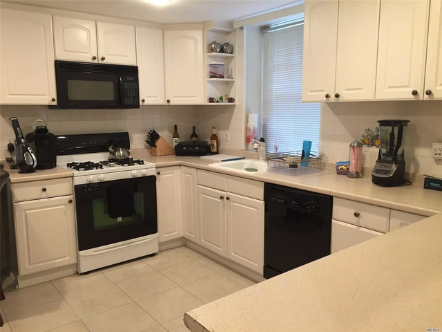 2 Bedrooms, Roslyn Rental in Long Island, NY for $3,190 - Photo 1