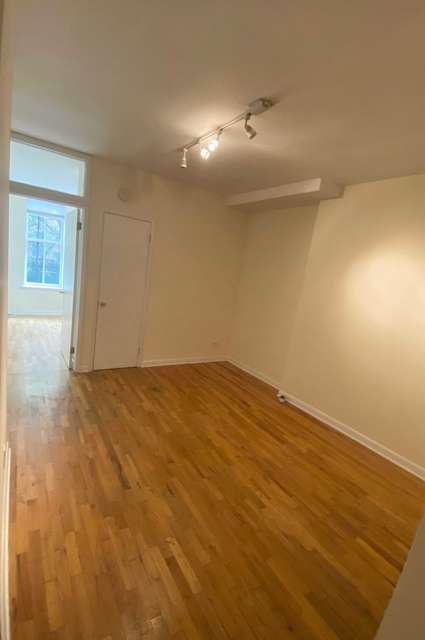 1 Bedroom, West Village Rental in NYC for $2,658 - Photo 2