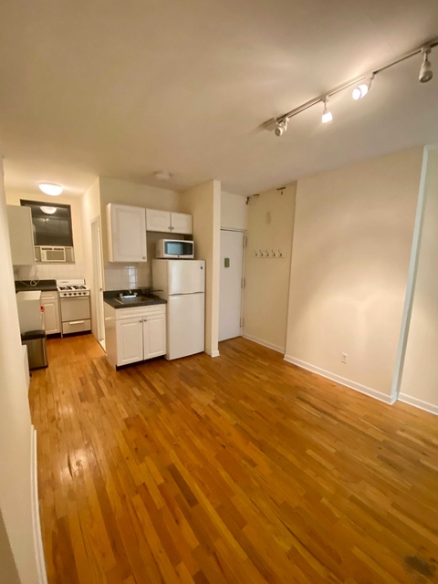 1 Bedroom, West Village Rental in NYC for $2,658 - Photo 1