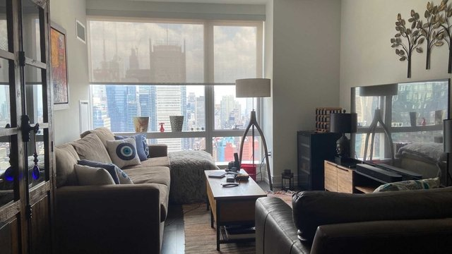 1 Bedroom, Hell's Kitchen Rental in NYC for $4,607 - Photo 2