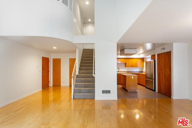 3 Bedrooms, Oakwood Rental in Los Angeles, CA for $6,188 - Photo 1