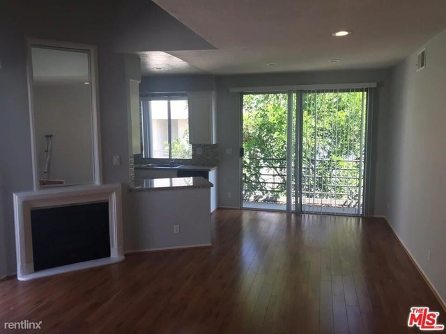 2 Bedrooms, Sherman Oaks Rental in Los Angeles, CA for $2,595 - Photo 1