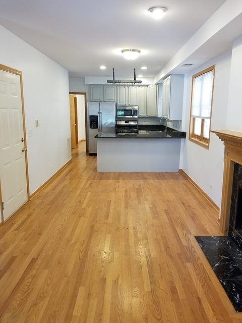 2 Bedrooms, Roscoe Village Rental in Chicago, IL for $2,400 - Photo 2