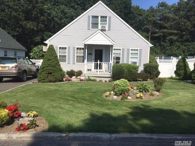 4 Bedrooms, Miller Place Rental in Long Island, NY for $2,900 - Photo 1