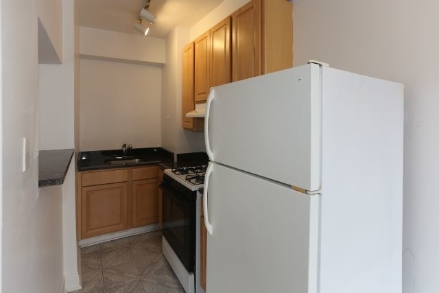 Studio, Margate Park Rental in Chicago, IL for $975 - Photo 2