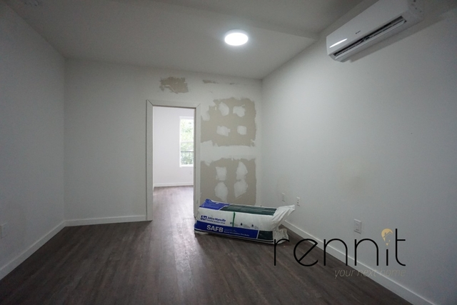 2 Bedrooms, Williamsburg Rental in NYC for $2,500 - Photo 2
