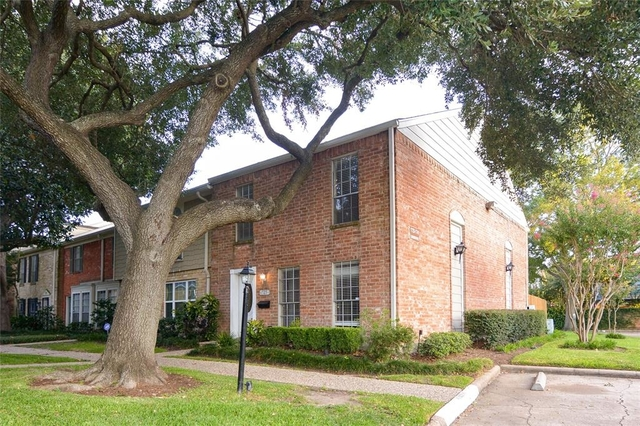 3 Bedrooms, Briarforest Rental in Houston for $1,800 - Photo 1