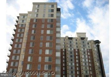 2 Bedrooms, Merrifield Rental in Washington, DC for $2,200 - Photo 1