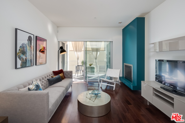 2 Bedrooms, Hollywood Hills West Rental in Los Angeles, CA for $4,500 - Photo 2