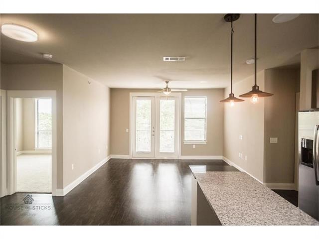 1 Bedroom, Belmont Rental in Dallas for $1,299 - Photo 2