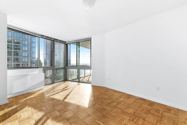 2 Bedrooms, Hell's Kitchen Rental in NYC for $4,860 - Photo 2