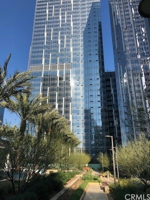 1 Bedroom, South Park Rental in Los Angeles, CA for $3,300 - Photo 1