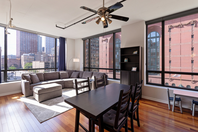 2 Bedrooms, The Loop Rental in Chicago, IL for $2,800 - Photo 2