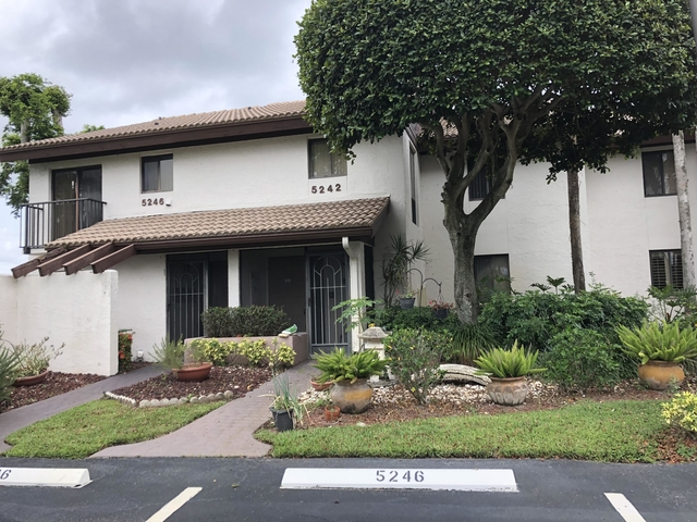 2 Bedrooms, The Fountains Country Club Rental in Miami, FL for $2,700 - Photo 1