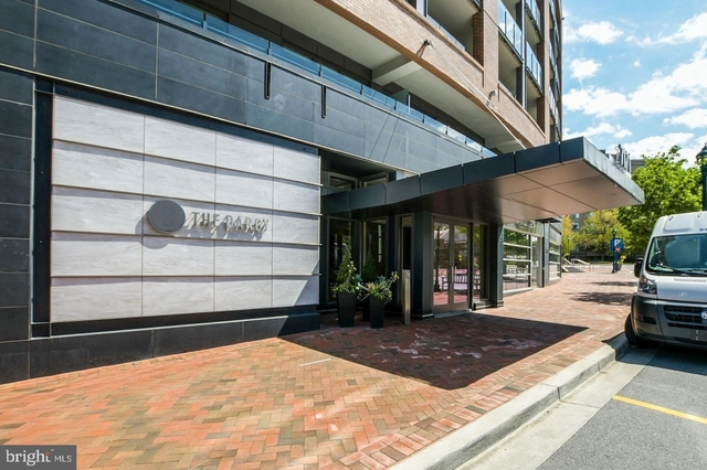 2 Bedrooms, Bethesda Rental in Washington, DC for $3,700 - Photo 2