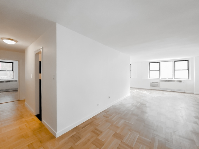 3 Bedrooms, Yorkville Rental in NYC for $8,182 - Photo 1