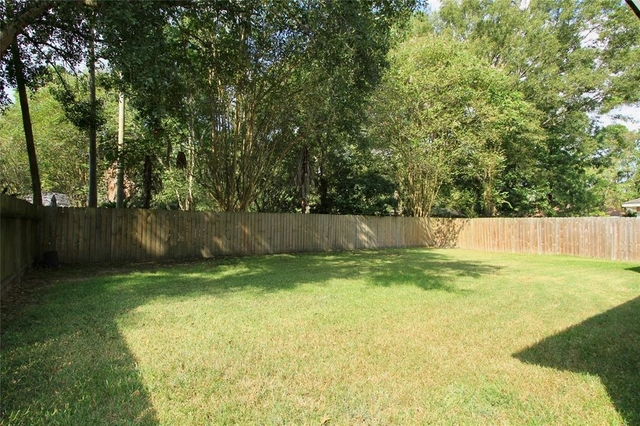 3 Bedrooms, Sherwood Trails Rental in Houston for $1,400 - Photo 2