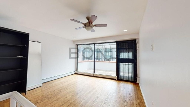 2 Bedrooms, Hell's Kitchen Rental in NYC for $3,804 - Photo 1