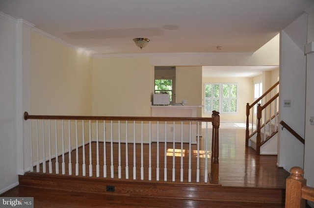 3 Bedrooms, Reston Rental in Washington, DC for $3,050 - Photo 2
