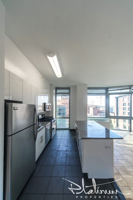2 Bedrooms, Hell's Kitchen Rental in NYC for $4,192 - Photo 1