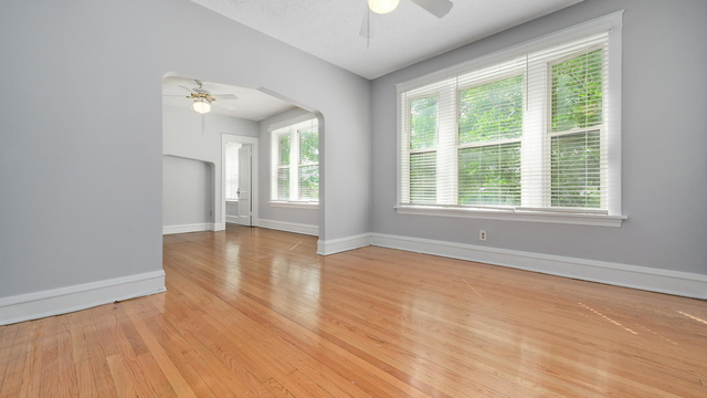 2 Bedrooms, North Center Rental in Chicago, IL for $2,200 - Photo 2