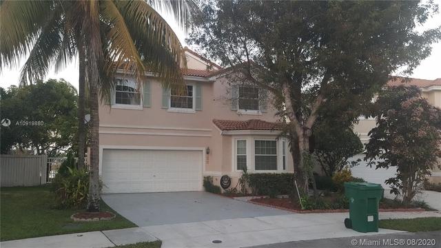 4 Bedrooms, Regency Rental in Miami, FL for $2,950 - Photo 1