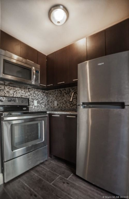 1 Bedroom, Riverview Rental in Miami, FL for $1,200 - Photo 1